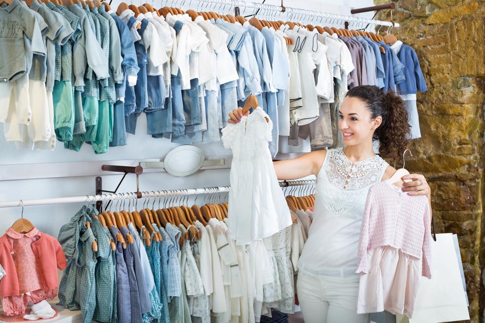 Comment choisir les vêtements de bébé